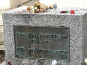 tumba-de-jim-morrison-cementerio-pere-lachaisse-paris
